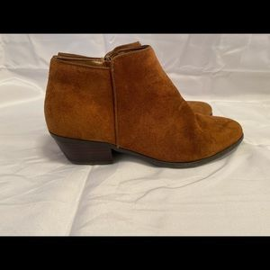 Crown Vintage tan Tabitha suede boots size 8